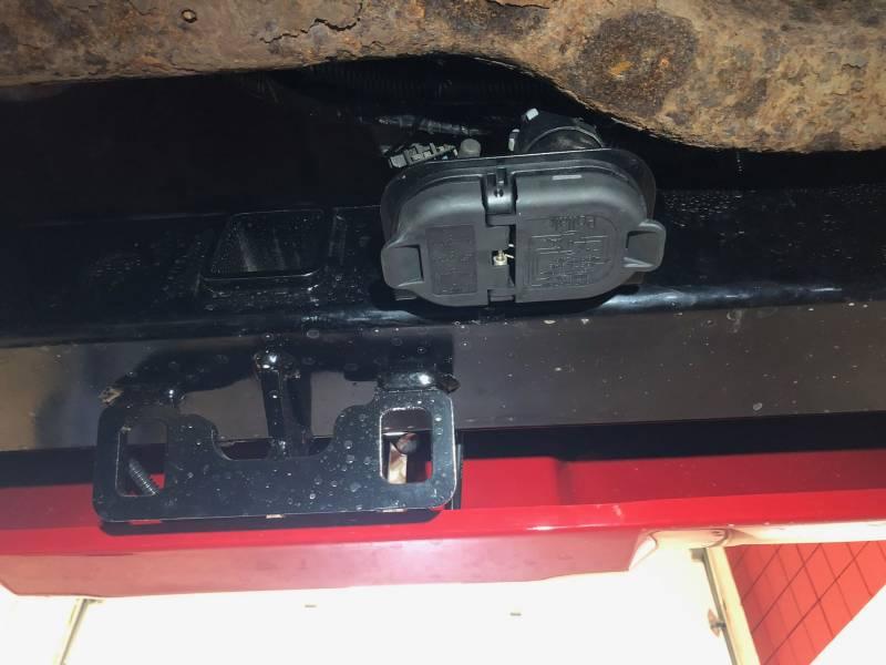 Gm 7  U0026 4 Pole Trailer Connector Socket W  Mounting Bracket